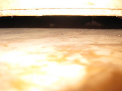FOTKA - myš pod skříní : )