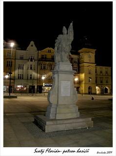 FOTKA -  Socha Svatého Floriána-patrona hasičů-Ostrava TGM Ostrava