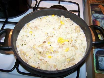 FOTKA - Zelenina se smetanou-příprava-přidáme kukuřici