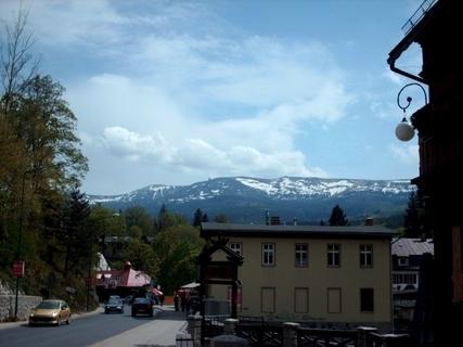 FOTKA - Krkonoše  z polské strány  ,zapádní čast -Szrenica/1345 m / a Sněžné Jamy - 8.5.2009.
