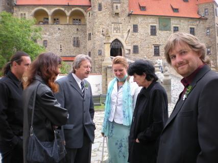 FOTKA - Sestřina svatba na Bouzově.....