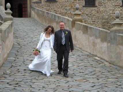 FOTKA - Sestřina svatba na Bouzově.......