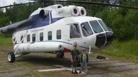 FOTKA - kluci u vrtulníku