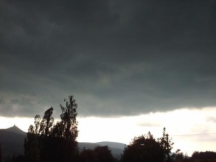 FOTKA - Bouřková  mračna  se ženou k nám od severovýchodu...,30.6.2009.
