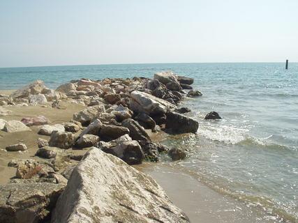 FOTKA - Kameny, písek, moře