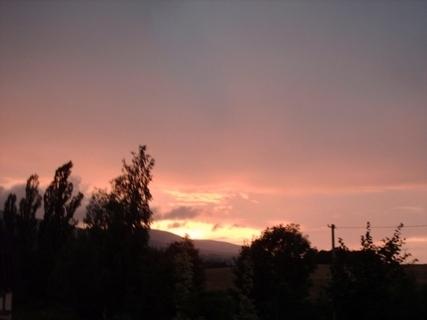 FOTKA - Dnešní večerní výhled z balkonu,8.7.2009.