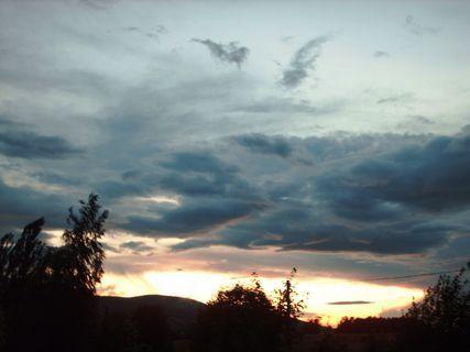 FOTKA - Výhled z okna na západ slunce, 8.7.2009