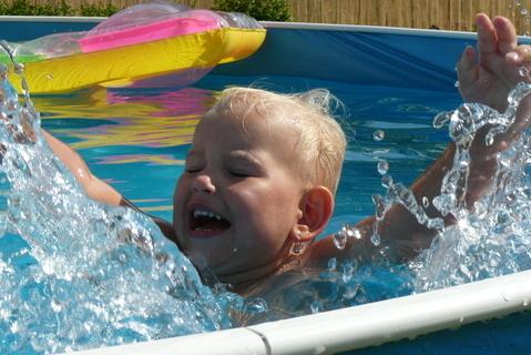 FOTKA - v bazénu