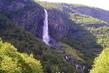 Vodopád v norském údolí