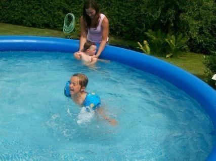FOTKA - Zkouším plavat