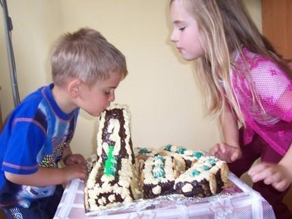 FOTKA - Oslava narozenin-mlsání
