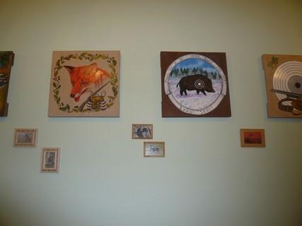 FOTKA - na chatě dekorace na zdi