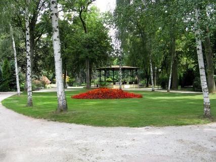 FOTKA - park s alt�nem, pro r�zn� akce