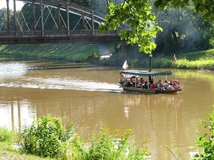 FOTKA - Parník na zakalené řece