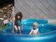 jára  a eva v bazénu