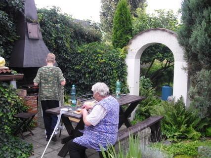 FOTKA - kousek zahrady na chatě,