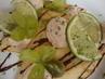 palačinky se šlehačkou a ovocem