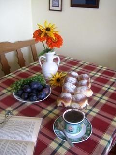 FOTKA - počteníčko s kávou a se slíváčkama