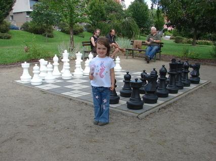 FOTKA - Na šachy jsem ještě malá