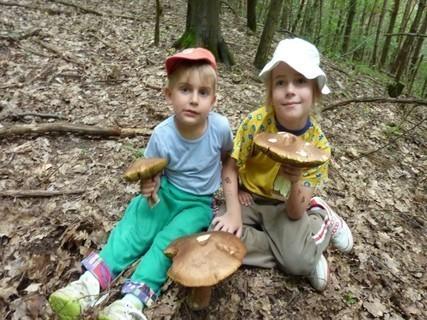 FOTKA - Našli jsme houby.........