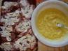 vepřové s taveným sýrem v bramborovom těstíčku .