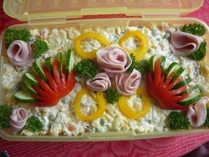 FOTKA - Salát na narozeninovou párty