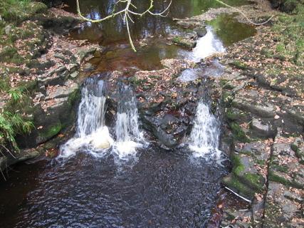 FOTKA - Neath malý vodopády