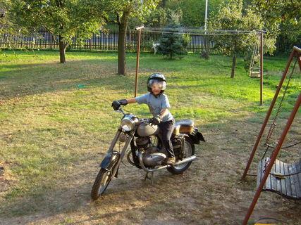 FOTKA - Anetka malá motorkářka