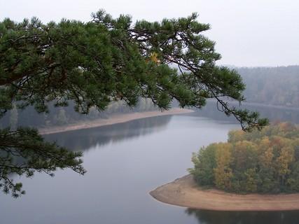 FOTKA - Pohled na vodní hladinu Seče