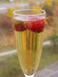FOTKA - šampaňské s jahodami