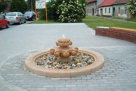 FOTKA - fontánka u autobusové zastávky