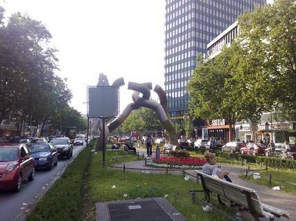 FOTKA - Berlín - socha - 4 sektory