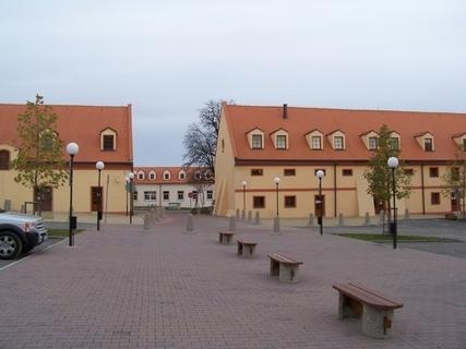 FOTKA - druhé náměstí Kunratice