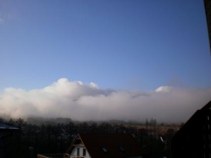 FOTKA - Serie:dnešní výhled z okna  na Ještědský hřeben / liberecko/  v 10.35.