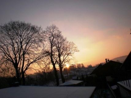 FOTKA - Dnešní východ slunce /z balkonu/ - 16.12.2009.