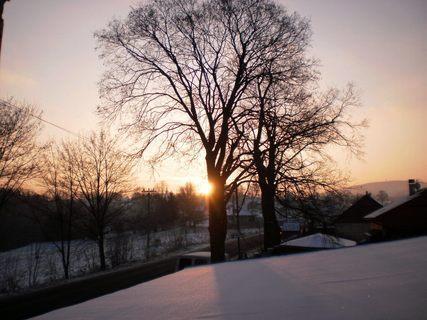 FOTKA - Východ slunce z okna kuchyně - 16.12.2009.