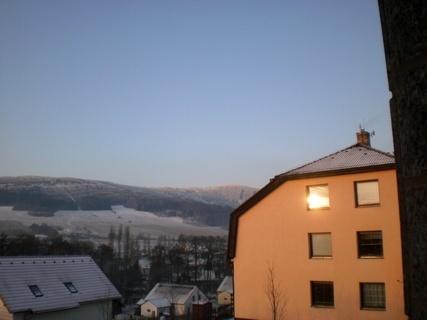 FOTKA -  Východ slunce -odraz v okně - 16.12.2009.