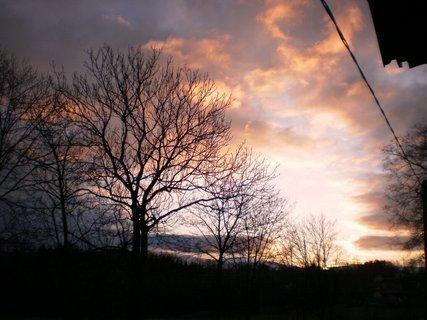 FOTKA - Vánoční východ slunce - výhled z okna , 26.12.2009