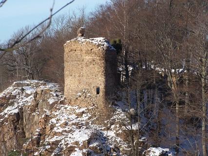 FOTKA - Zřícenina hradu prosvětlená sluncem
