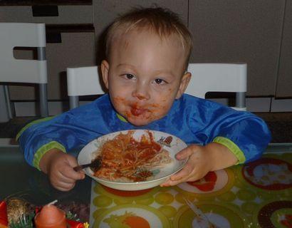FOTKA - papáme špagety :-)