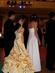 Promenáda - krásné šaty měla slečna