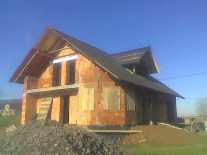 FOTKA - Takhle vypadal náš domeček rozestavěný na podzim