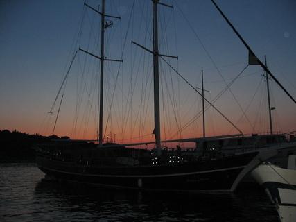 FOTKA - Loď v přístavu