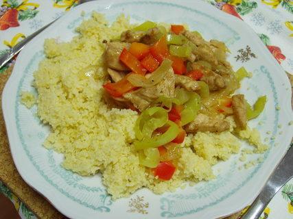 FOTKA - kuskus s kuřecím masem a zeleninou