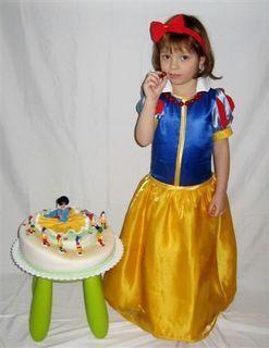 FOTKA - Adélka s dortem