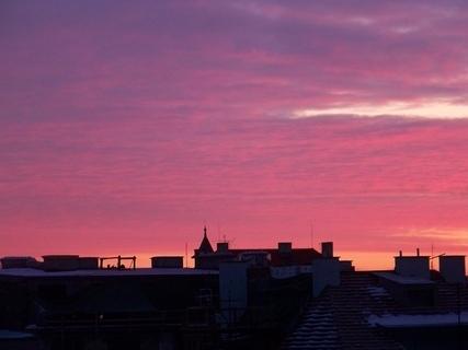 FOTKA - svítání nad domy na Pankráci v Praze