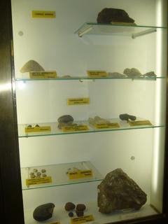 FOTKA - Část minerálů ve vitríně