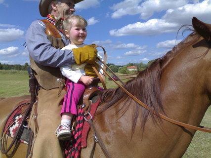 FOTKA - Verunka na koni