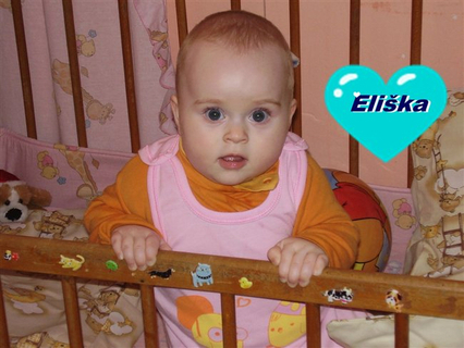 FOTKA - Eliška v postýlce