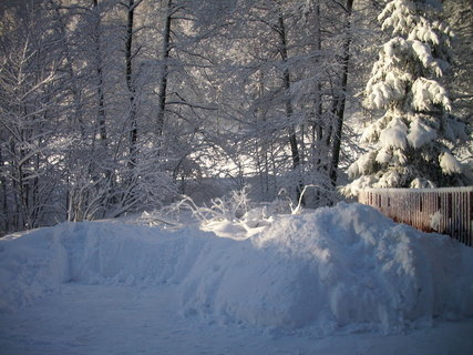 FOTKA - Sněhu stále dosti